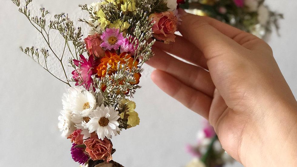 Coroa de flores desidratadas I