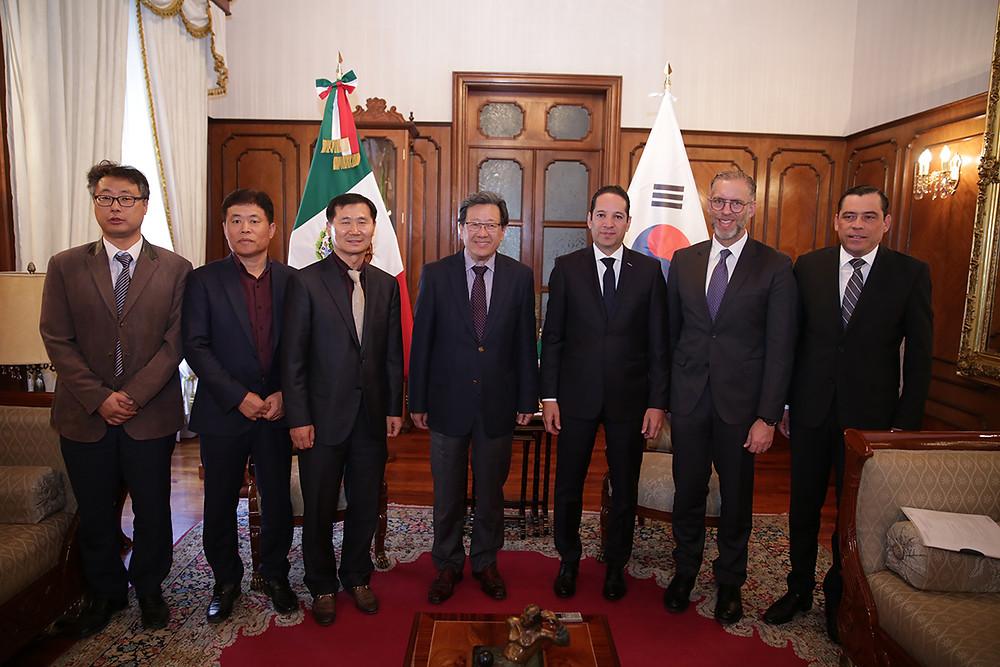 Francisco Domínguez recibe al Embajador y empresarios coreanos