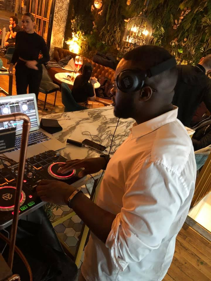 LE CHAT BLANC DJ LASS