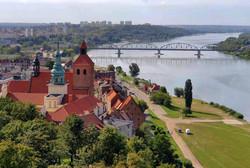 העיר לגדות נהר הויסלה