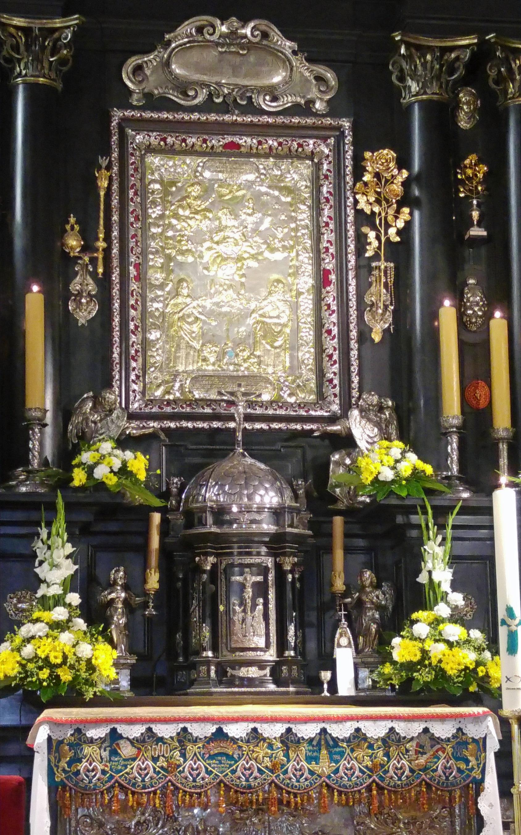 מזבח התמונה של המדונה השחורה