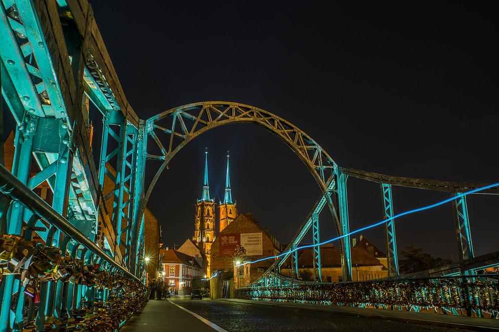 גשר אוסטרוב טומסקי