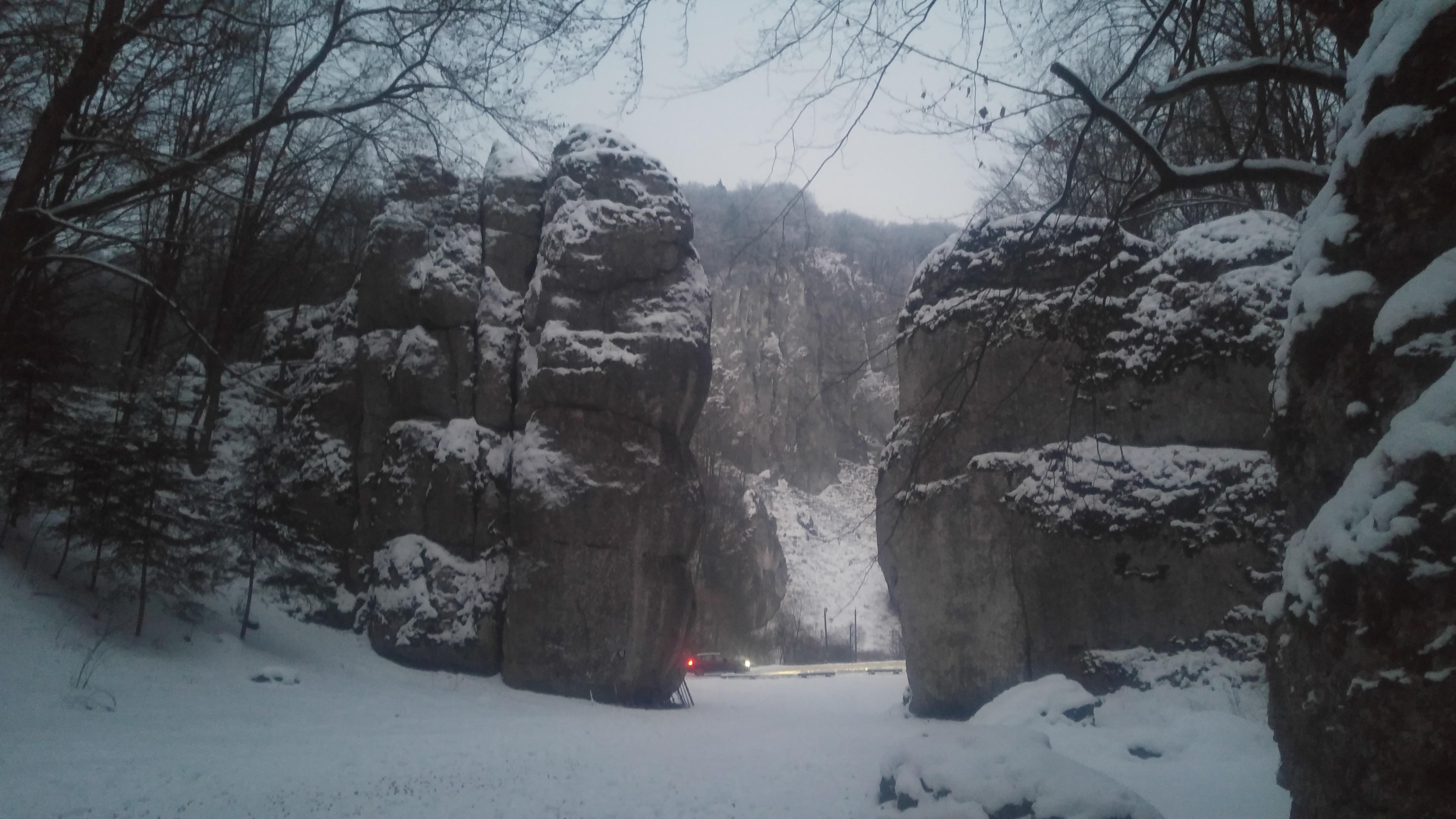 שער קרקוב בחורף