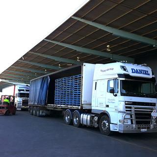 Daniel-Trucking_BrisbaneDepot_3.jpg