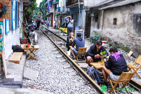 hanoi-train-tracks.jpg