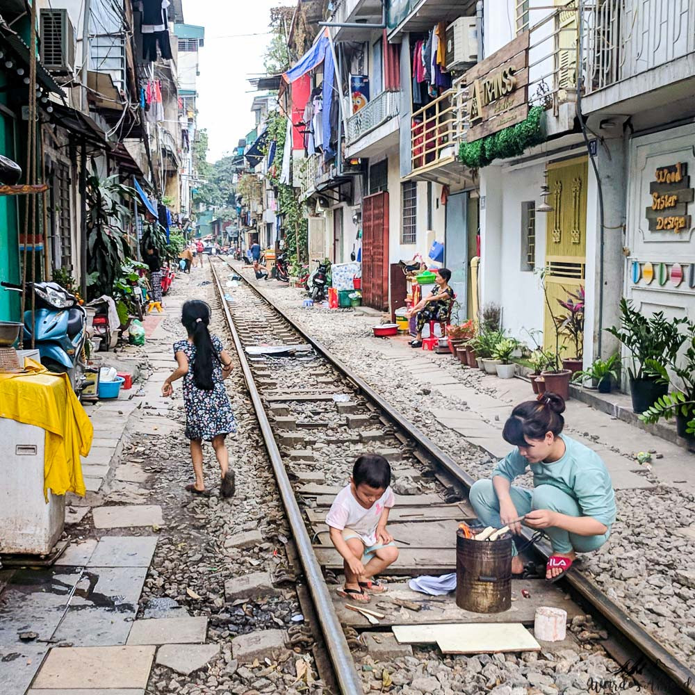 Vietnam-Hanoi-Train-Street-view-6-copy.j