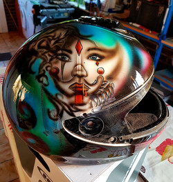 casque-personalisee-clown-2