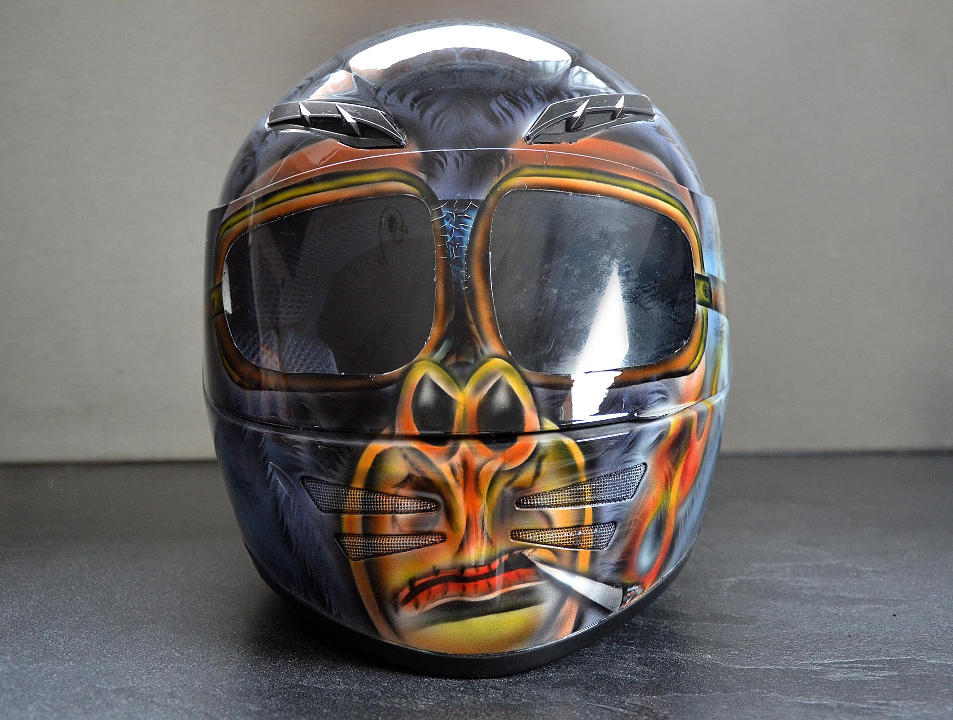 Peinture personnalisée casque moto
