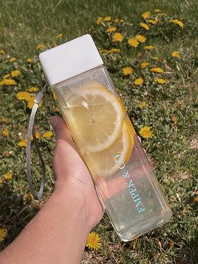 « drink up » water bottle