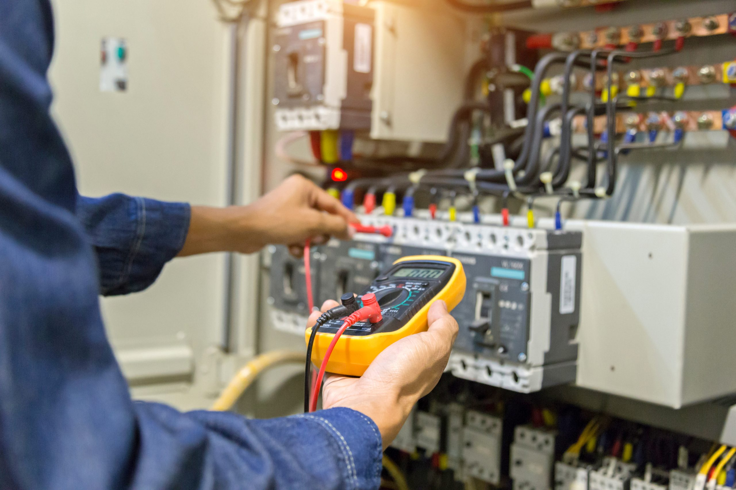 Operation, Monitoring and Control of Electric Machines & Industrial Processes