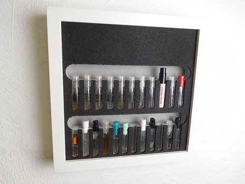 Parfum-Picker für 22 Parfum-Proben inkl. Rahmen