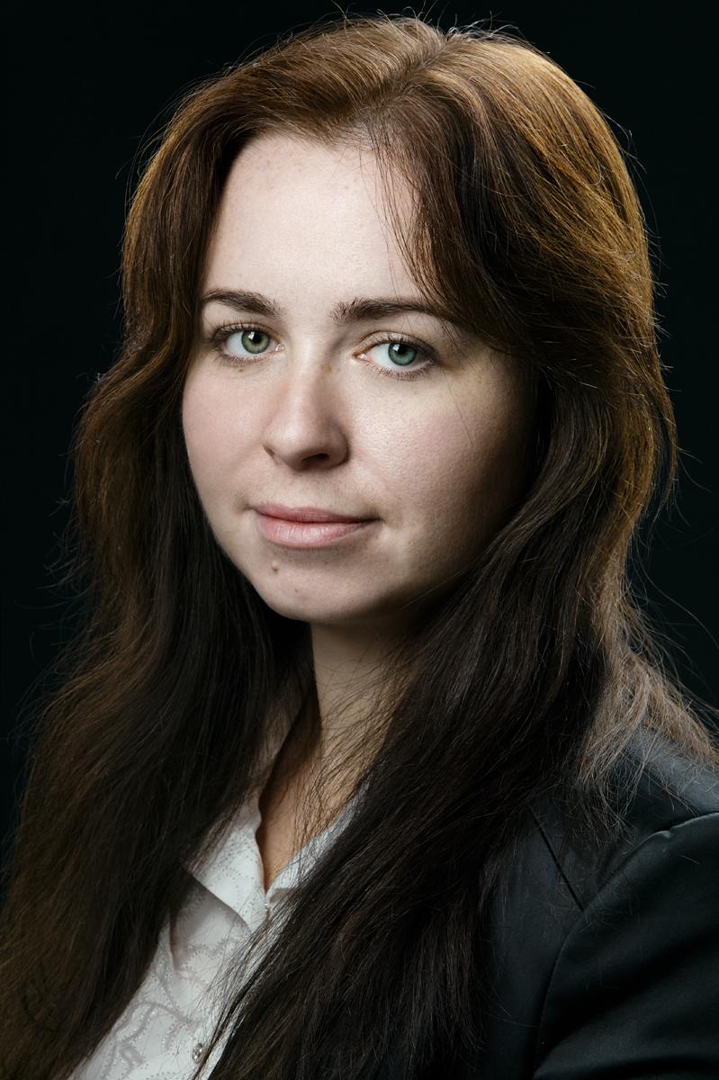 Татьяна. Портрет на чёрном