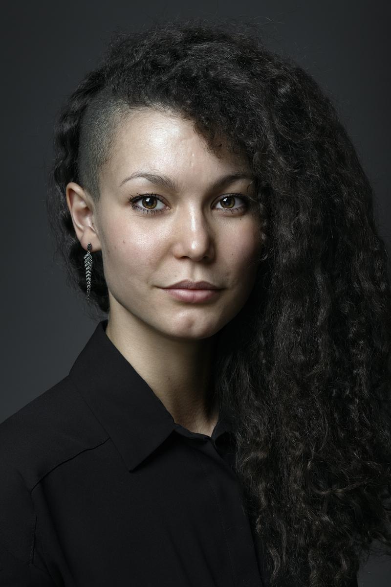Кристина. Портрет в чёрном