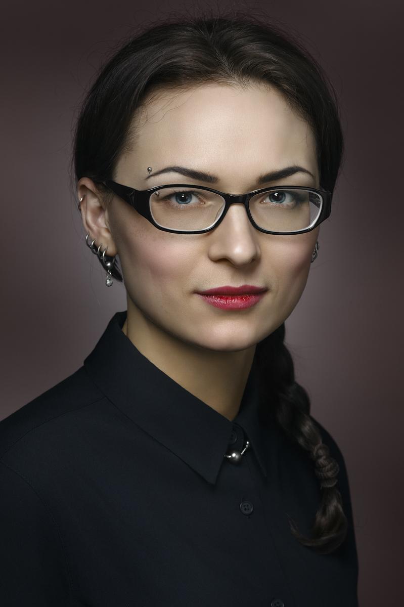 Виктория. Портрет с косичкой