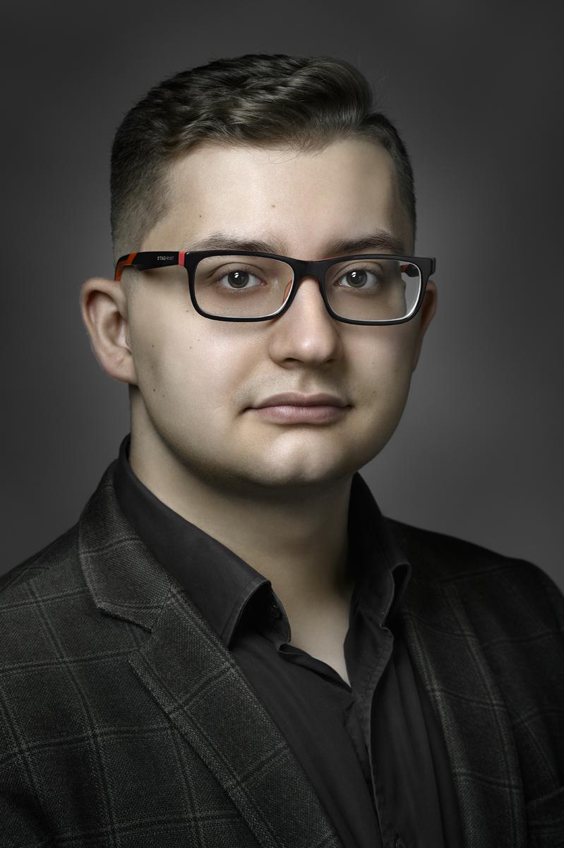 Евгений. Деловой портрет