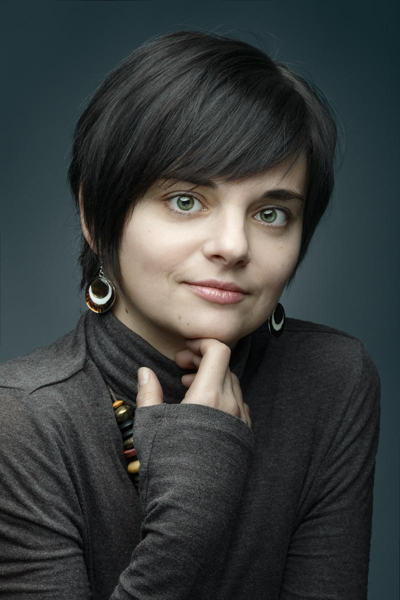 Валерия. Портрет с бусами