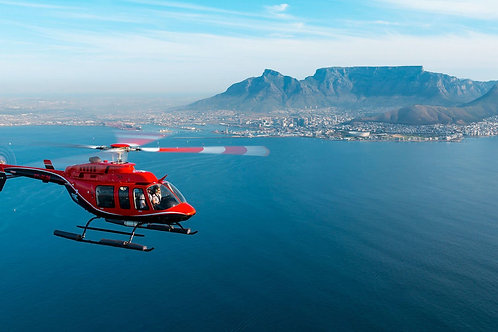 Helicopter private flight around Cape Town (4 people)