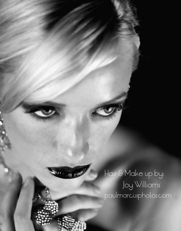 emily black and white-portfolio.jpg
