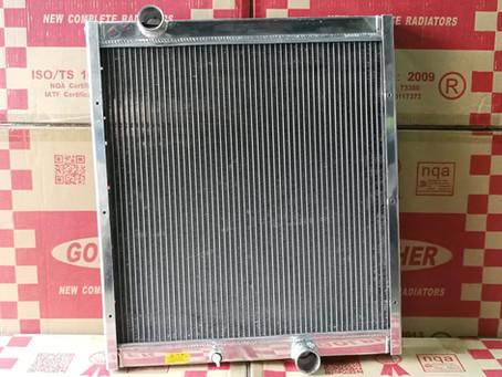 三菱 MITSUBISHI CANTER 639 全銻水箱現價發售 Whatsapp: 61144653