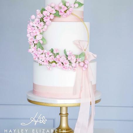 Wedding Cakes Magazine- Wedding Cakes with silk ribbon - an emerging trend!