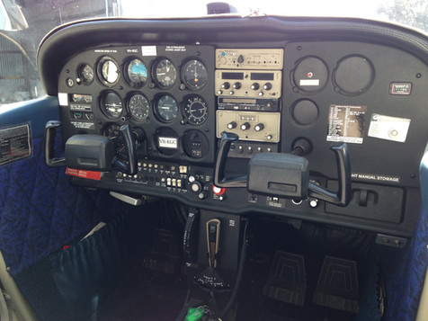 MAC Cessna cockpit