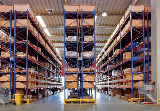 Otimização de armazéns com estruturas de armazenagem tipo Porta-Paletes Seletivos