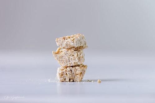 .פצפוצי אורז שוקולד לבן ,זילוף קרמל מלוח
