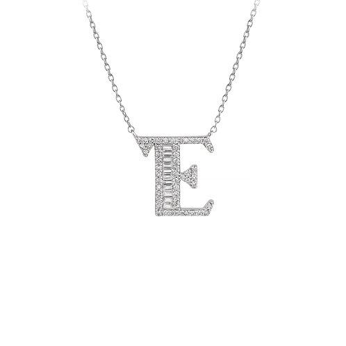Yeni E harfi beyaz altın baget kolye