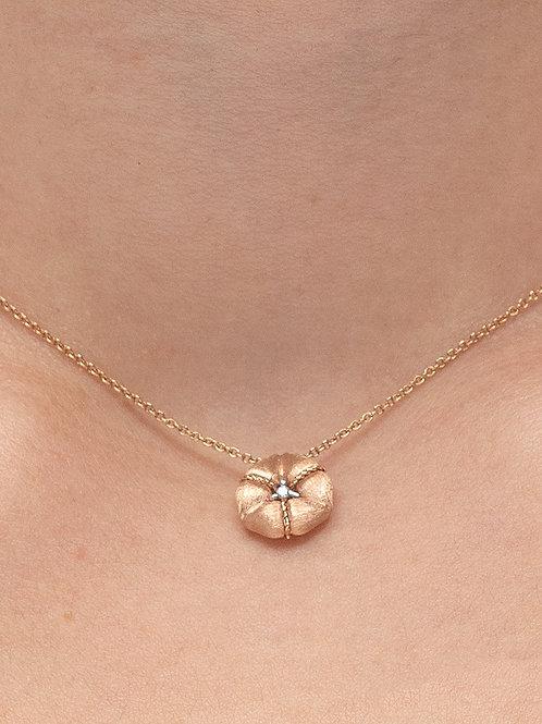 Ortası taşlı çiçek kolye (pembe altın)
