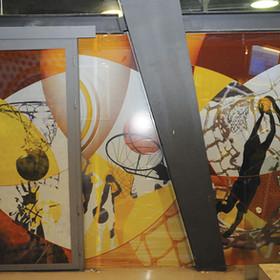 """מיתוג קירות חיצוניים לחנות מכבי-ת""""א בכדורסל. היכל נוקיה, 2/2012"""