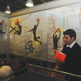 """מיתוג ועיצוב מסדרון המוליך לחדר VIP של מכבי ת""""א, הכיל נוקיה.  2/2012"""