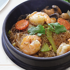 Shrimp with Glass Noodle in Clay Pot