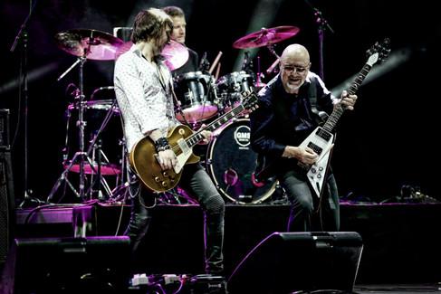 Mark Abrahams Andy Powell Guitarist Wishbone Ash