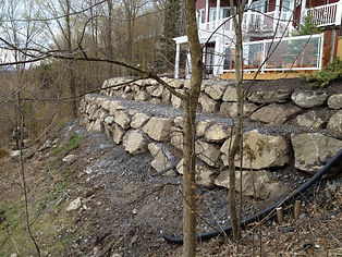 mur de roche a bromont, cowansville terre de remplisage pour le terrassement de tourbe