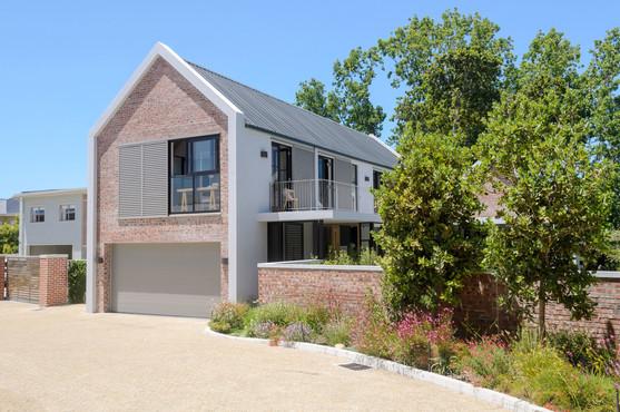 Constantia-Modern-House-Architecture (9)