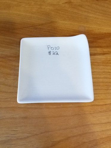 Little square plate with corner