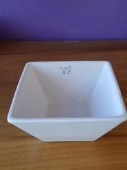Sharp edge square bowl