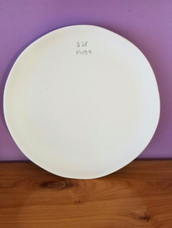 Contemporary lunch plate (wavy edge)