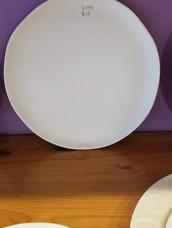 Contemporary dinner plate (wavy edge)