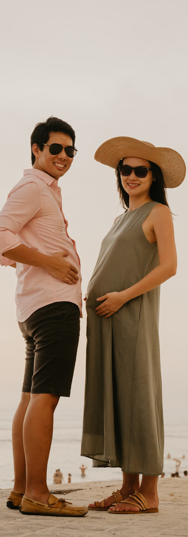 Lifestyle maternity portrait