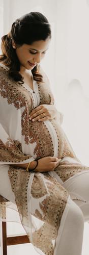 Lifestyle maternity portrait