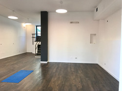 Free-body exercise room