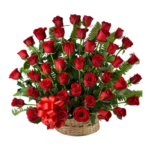 Pleasing Roses Arrangement
