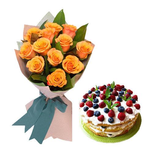 Orange Roses With Berry Cake