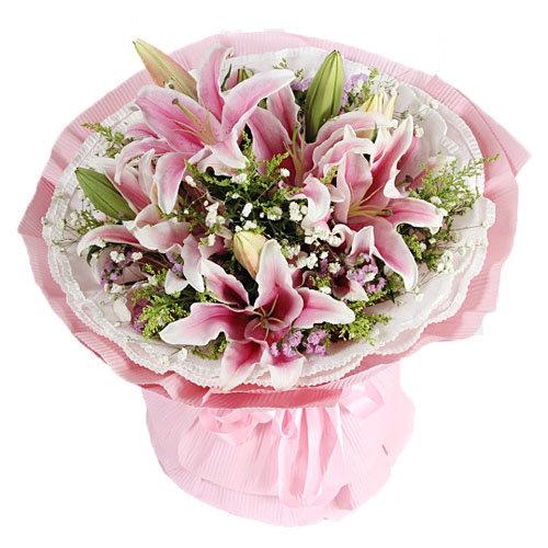 Splendid Lily Bouquet