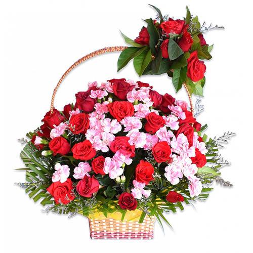 Dreamy Flowers Arrangement