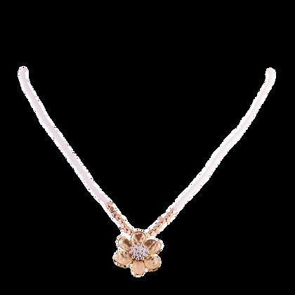 Single Flower on a Crystal Chain