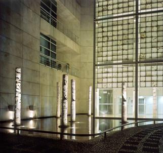 Instalación de columnas, 2000.