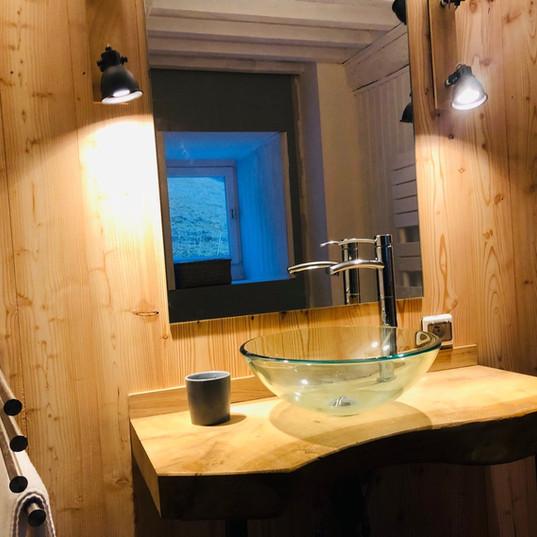 Salle de bain du bas mélèze et chêne