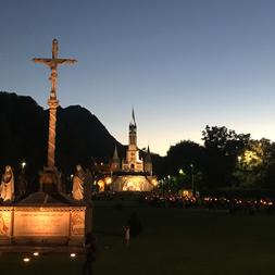 procession Lourdes